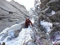 Goulotte de glace et alpinisme hivernal à la journée